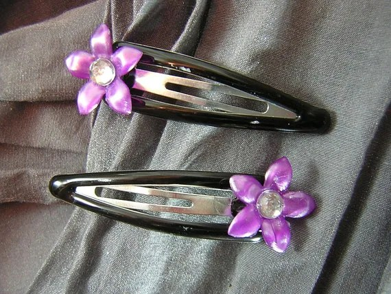 Five Petal Flower with Clear Gem Center Snap Barrettes by Rewondered D202B-00003 - $7.95