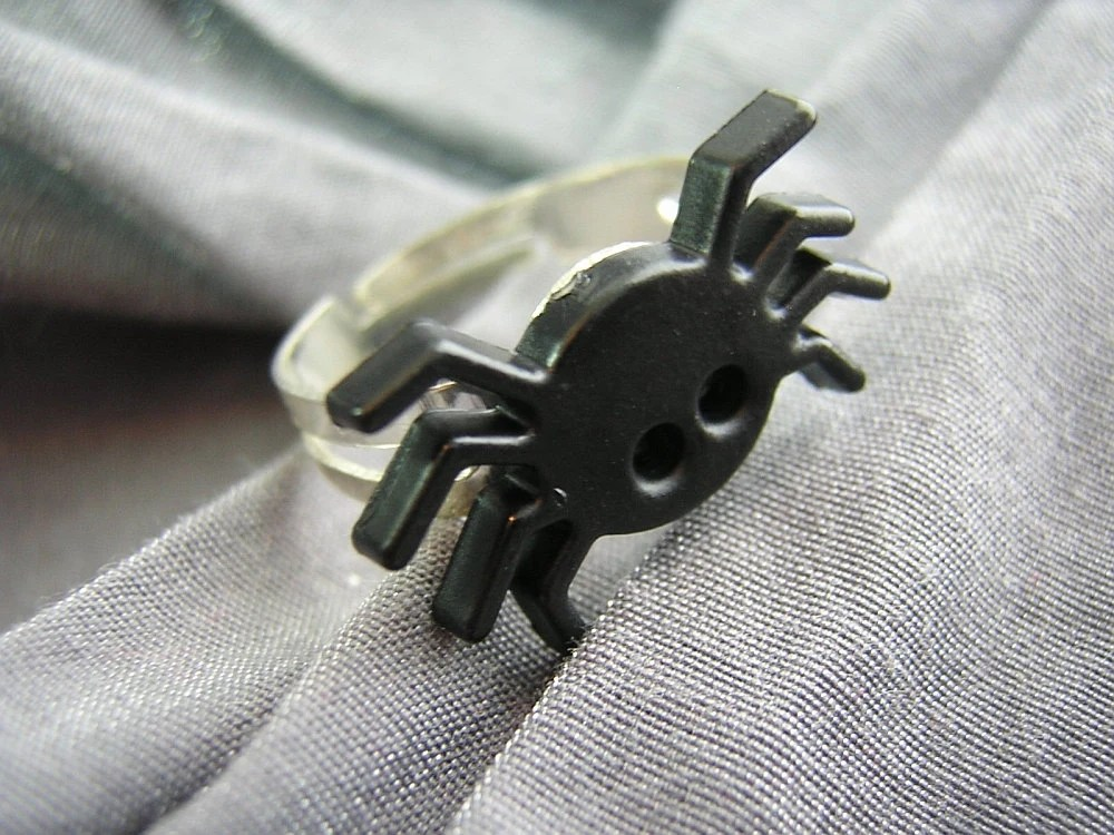 Black Spider Ring with Adjustable Band by Rewondered D225R-00001