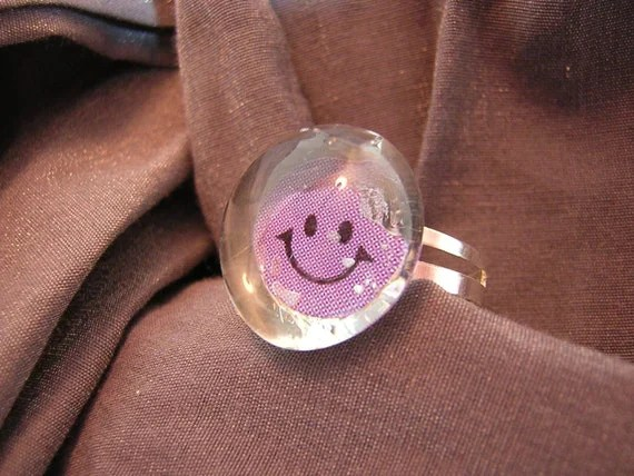Mood Ring Emoticon Glass Pebble Ring with Adjustable Band - Handmade by Rewondered D225R-00008 - $5.95
