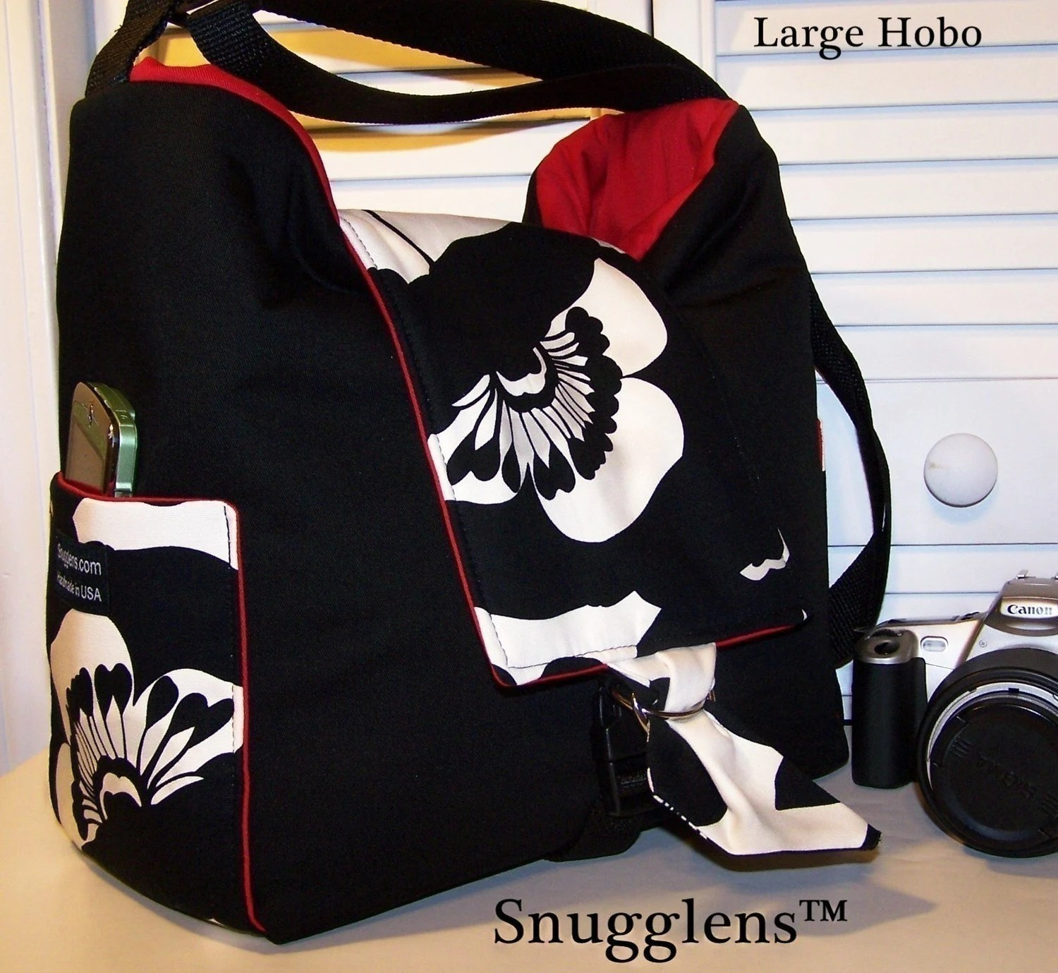 CUSTOM Cute Digital SLR HOBO camera bag..LARGE...Sofia black and offwhite w/red interior/SNUGGLENS