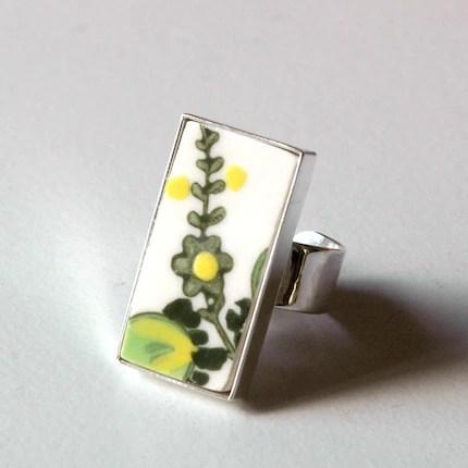 New Rectangular Broken Plate Ring Green and Yellow Flowers