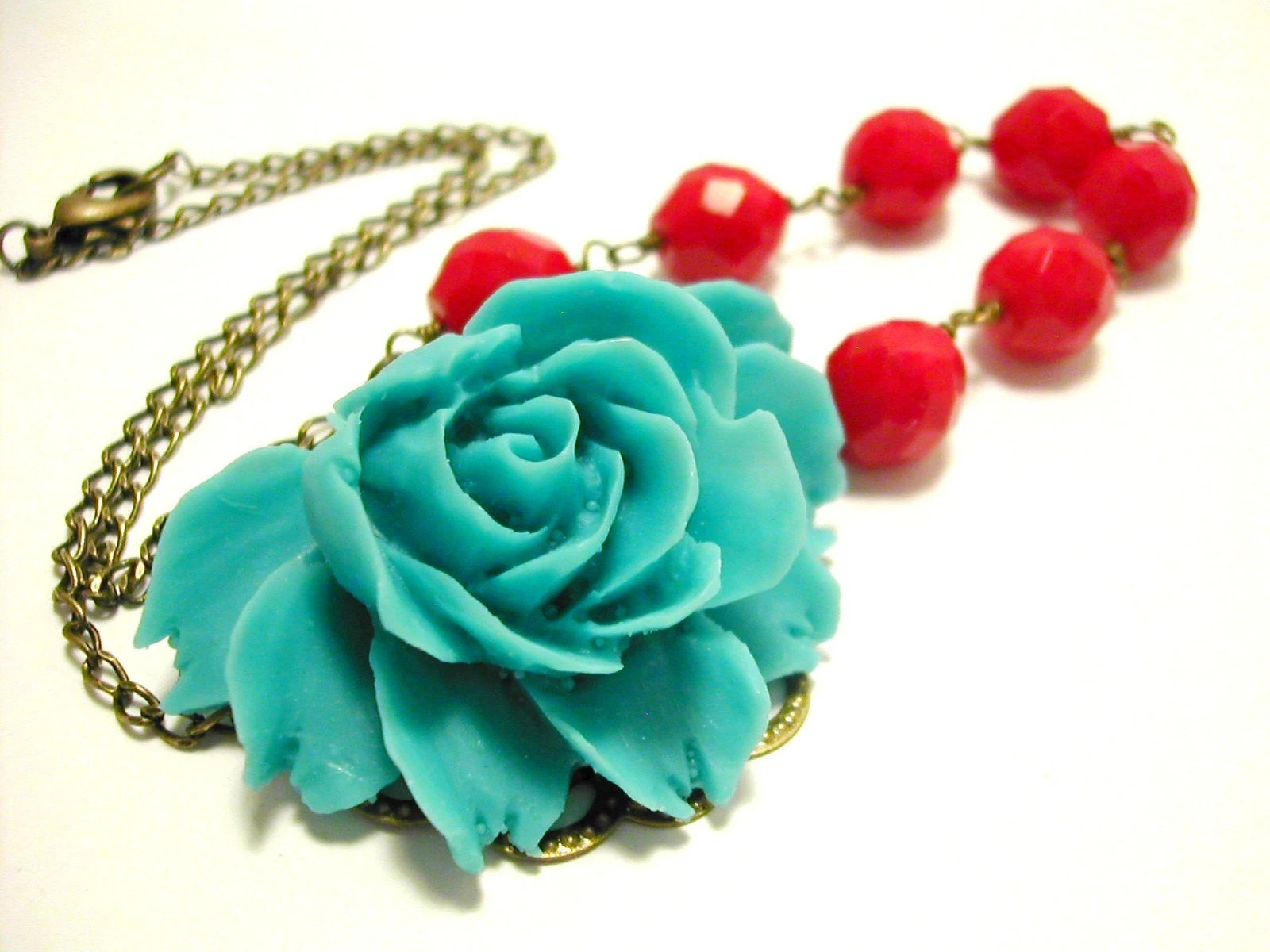 Minnie Rose Necklace