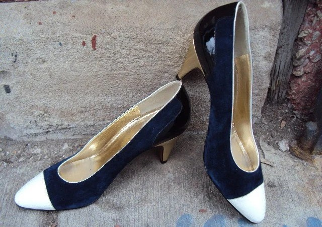 80s Gold Heel Pumps