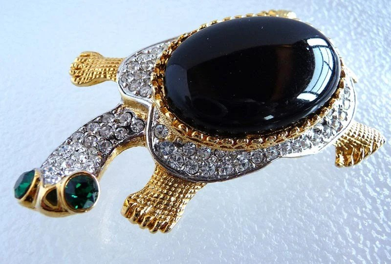 KJL Kenneth J Lane Rhinestone Turtle with Green Eyes