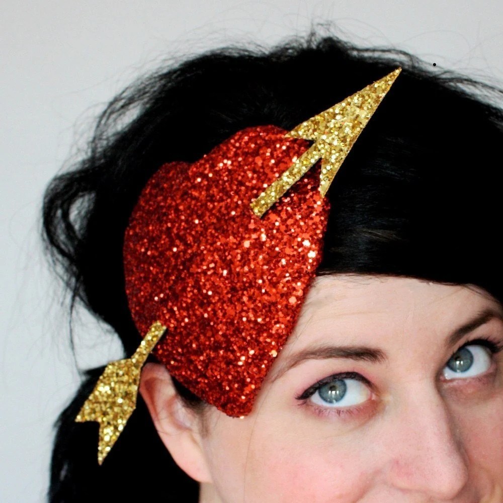 Burlesque fascinator heart in ruby red and gold glitter - Cupids Heart