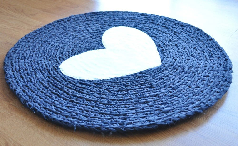 EKRA Round White Heart Black Crochet Upcycled Area Rug