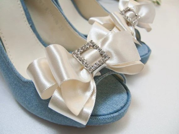 Crystal Satin bow shoe clips in Gold