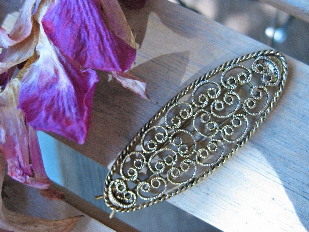 Vintage Gold Tone Filigree Barrette