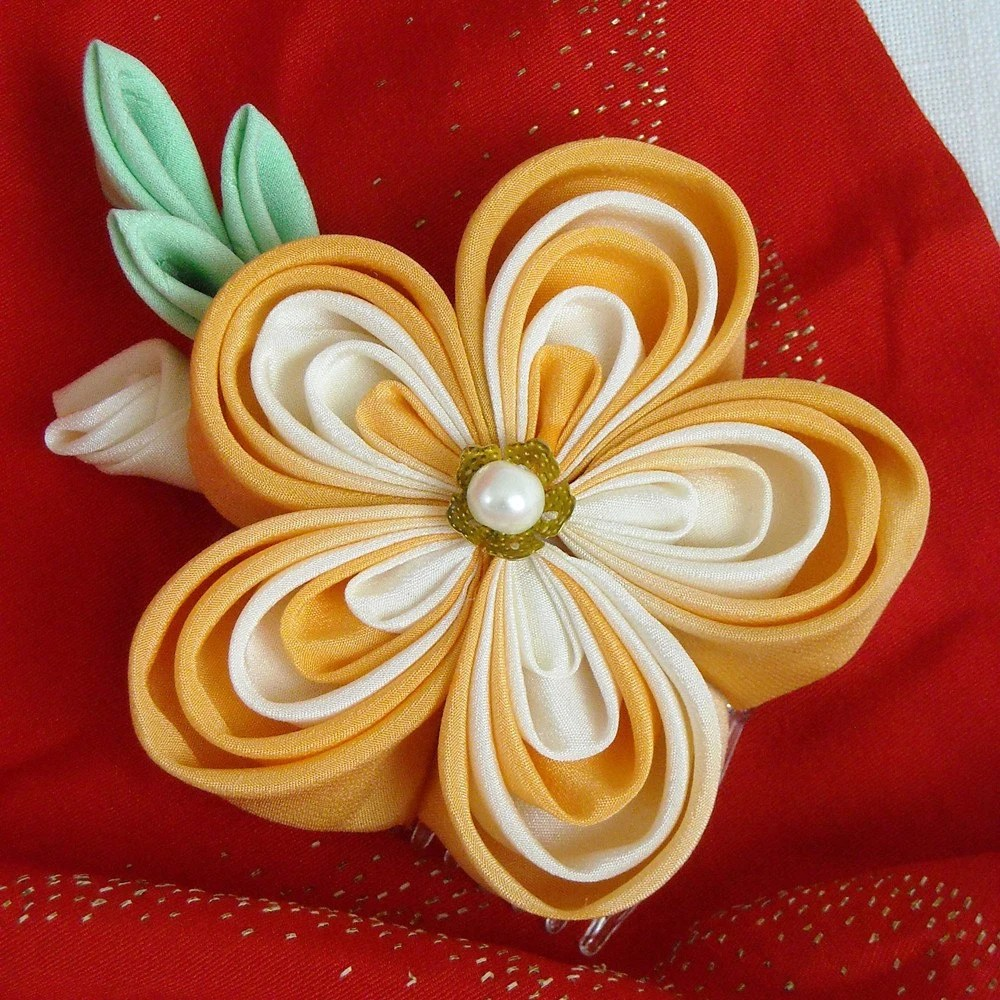 Peaches and Cream Kanzashi (Limited Edition) haircomb