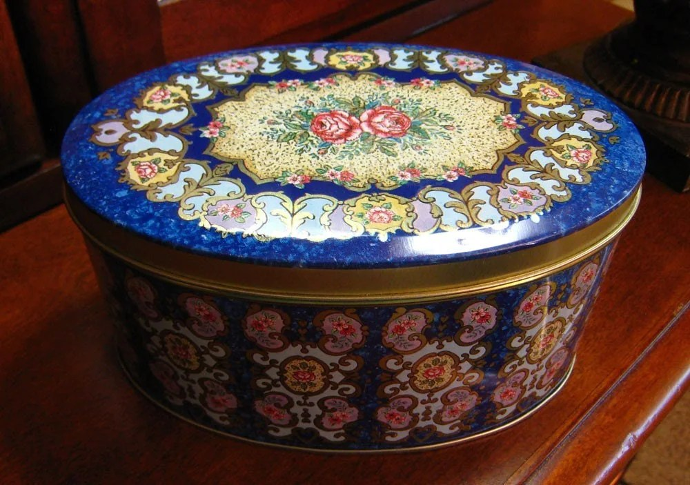 Victorian Roses Vntage Tin