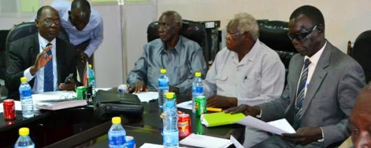 Members of the Jieng Council of elders,a controversial group that advises Salva Kiir, meeting elders from Jubek State(Photo: file)