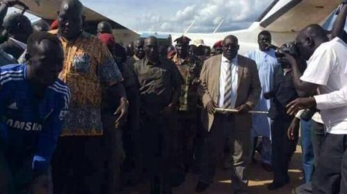 Gen. Malong Awan, former CoGS, escorted after landing on JIA from Yirol (Photo/supplied).