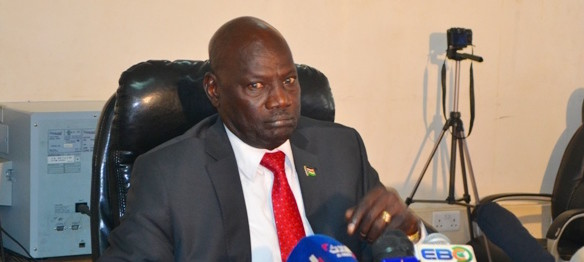 South Sudan regime spokesman and Minister of Information and Broadcasting Michael Makuei Lueth captured on camera threatening to expel Joint Monitoring and Evaluation Commission from South Sudan(Photo: file)