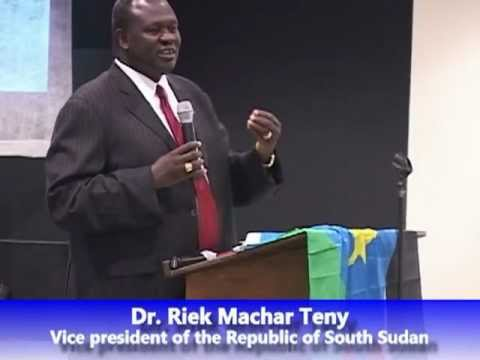 South Sudan Vice President briefing a South Sudanese gathering in Omaha Nebraska, USA, in 2012(Photo: file)