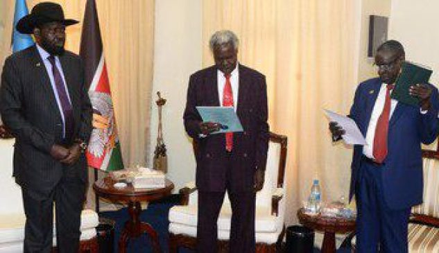 New finance Minister Garang Mabiordiit taking oath of office conducted by the Chief Justice Chan Reec Madut in front of president Salva Kiir in Juba March 13 2018 (File photo)