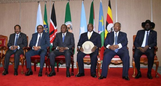 (L-R) Somali President Mohamed Abdullahi Mohamed, Ethiopian Prime minister Hailemariam Desalegn, Kenya's President Uhuru Kenyatta, Uganda's President Yoweri Museveni, Djiboutian President Osman Guelleh and South Sudan President Salva Kiir take part in the East Africa's regional Intergovernmental Authority on Development (IGAD) Special Summit on Somali refugees on March 25, 2017 in Nairobi(Photo credit: AFP)