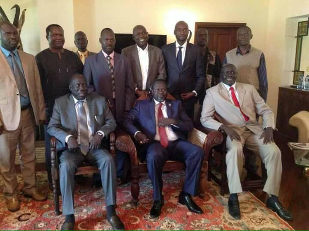 SPLM-IO founding members (Including Dr Machar the founding leader)  posting for a photo in the Ethiopian capital Addis Ababa (File photo)