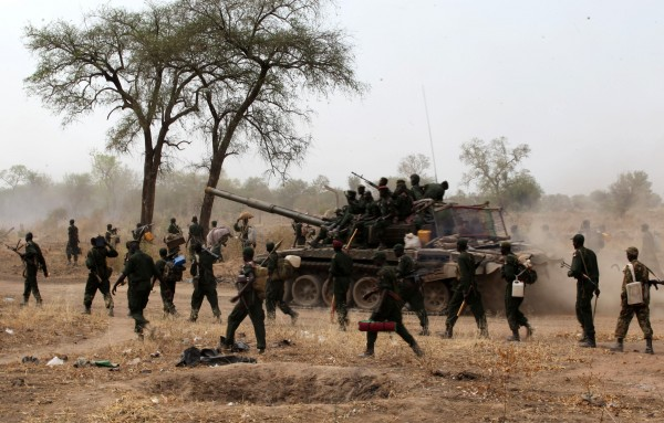 Government troops moving alongside Juba/Bor Road January 2014 (File photo)