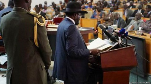 South Sudan President Kiir speaks to parliament in 2015 (Fie photo)