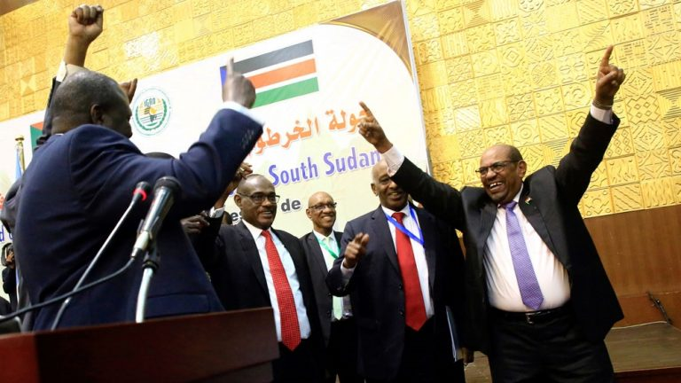Dr. Riek Machar Teny, President Omar Hassa el Bashir and others celebrate breakthrough in Khartoum peace talk in July, 2019(Photo: file/Aljazeera/Nyamilepedia)