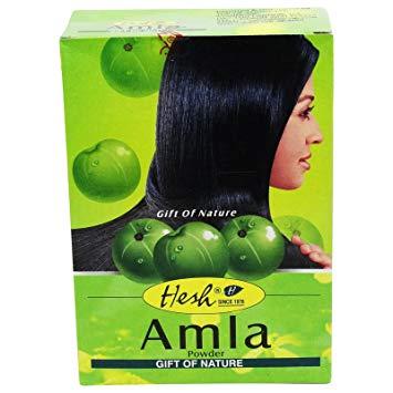 la poudre d'amla permet de démeler les cheveux et de définir les boucles de ceux-ci