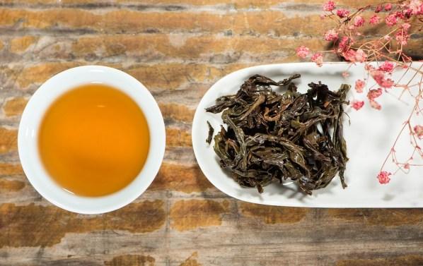 le thé noir peut etre utilisé comme après shampoing
