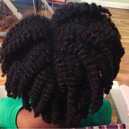 les cheveux hydratés et demelez grace à la méthode lcoc