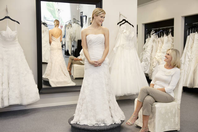 How to find a great wedding dress shop