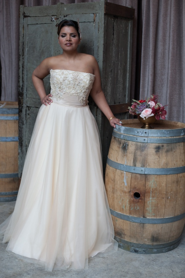 Colorful The White Gown Brooklyn Gift - Images for wedding gown ...