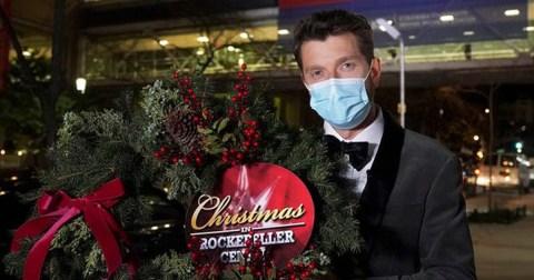 Brett Eldredge Rockerfeller Center Christmas Tree Lighting