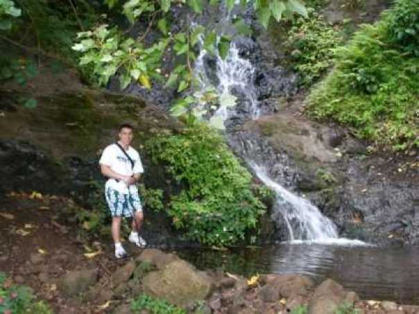 nyctalking hawaii waterfall