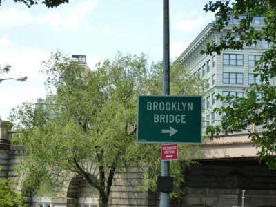brooklyn bridge nyc sign
