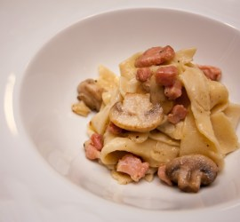 Pasta med svamp och pancetta