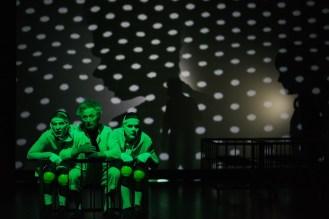 """spektaklis jaunimui """"(Ne)vaiku zaidimai""""©Povilas Jaras Fotopo (tituline) (4)"""