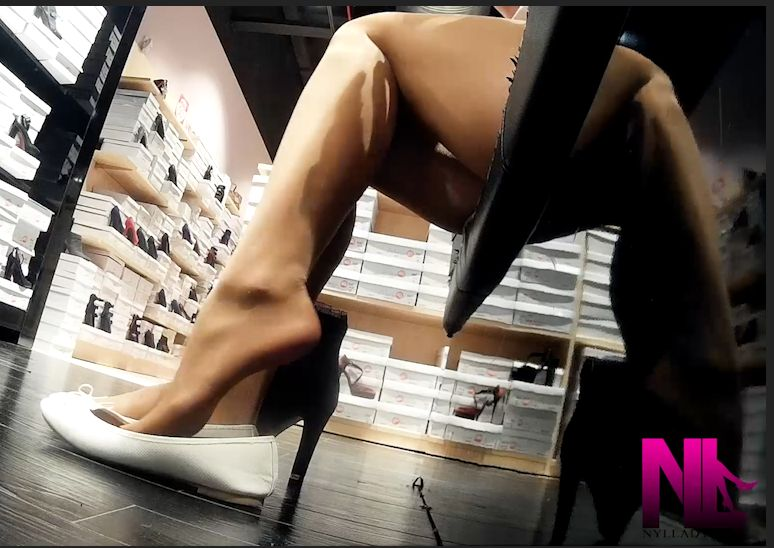 20180109_dangling-in-white-flats-and-falke-nude-pantyhose4