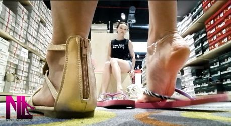 20180719_shoeplay-and-popping-in-crimson-and-black-flops1