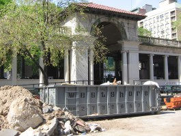 The City was forced to halt construction on the pavilion at Union Square Park in 2011. Photo: Jonathan Reingold.