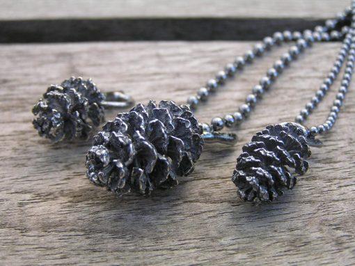El-kogle i oxyderet sølv - lavet af Nynne Kegel - Loenstrup Smykke Design