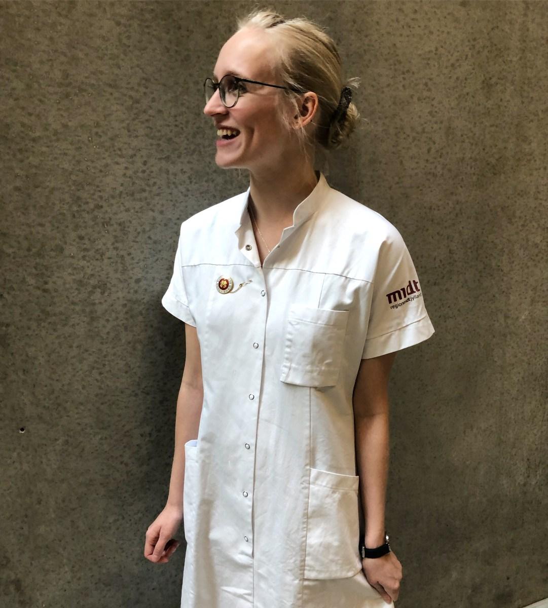 Jeg er blevet sygeplejerske: refleksioner, krymmel-punkter og tanker om det nye job