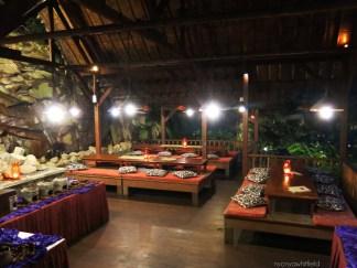 nyonya-kampungdaun-seating