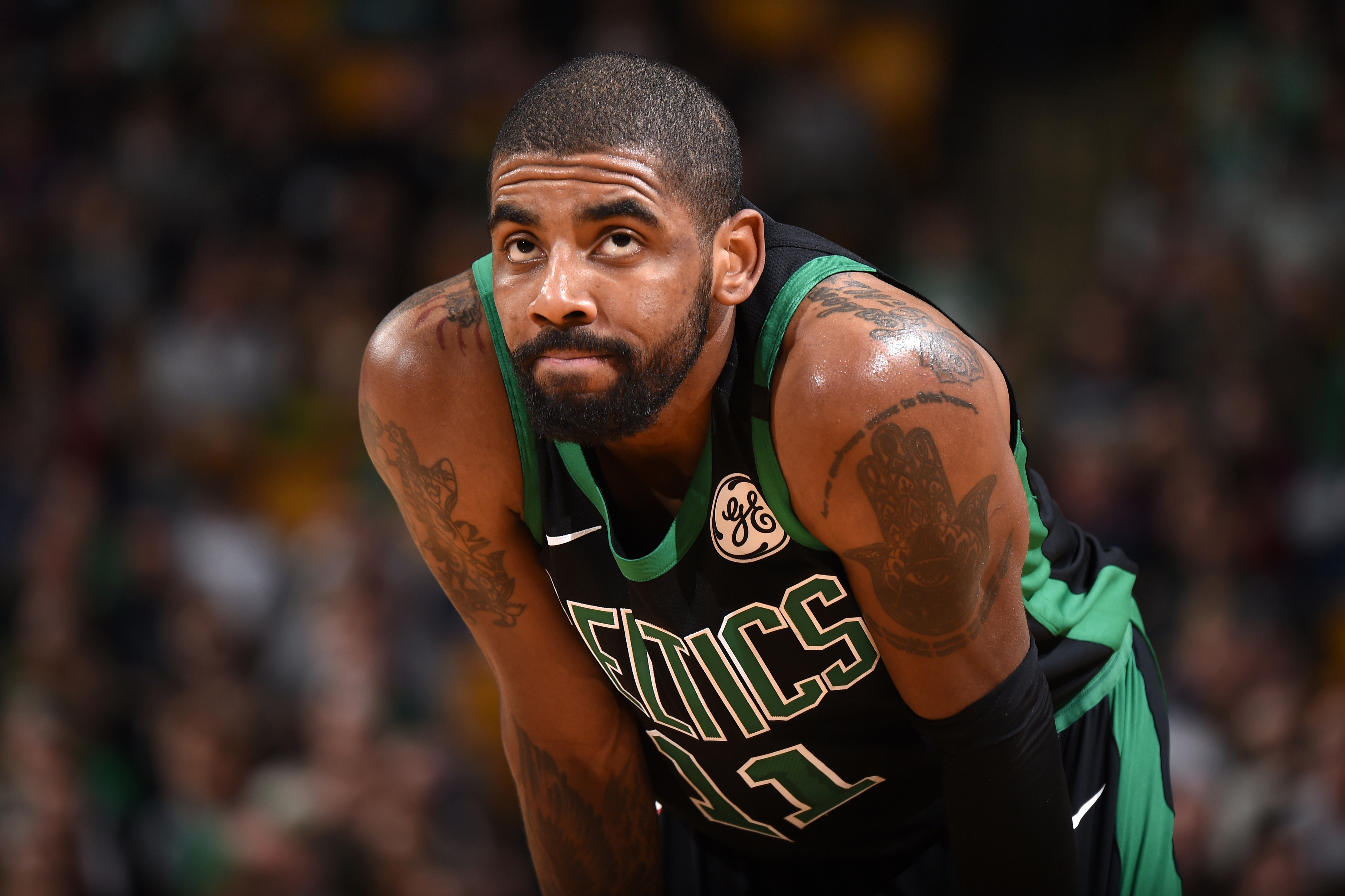 kyrie irving threatened cavaliers with knee surgery to