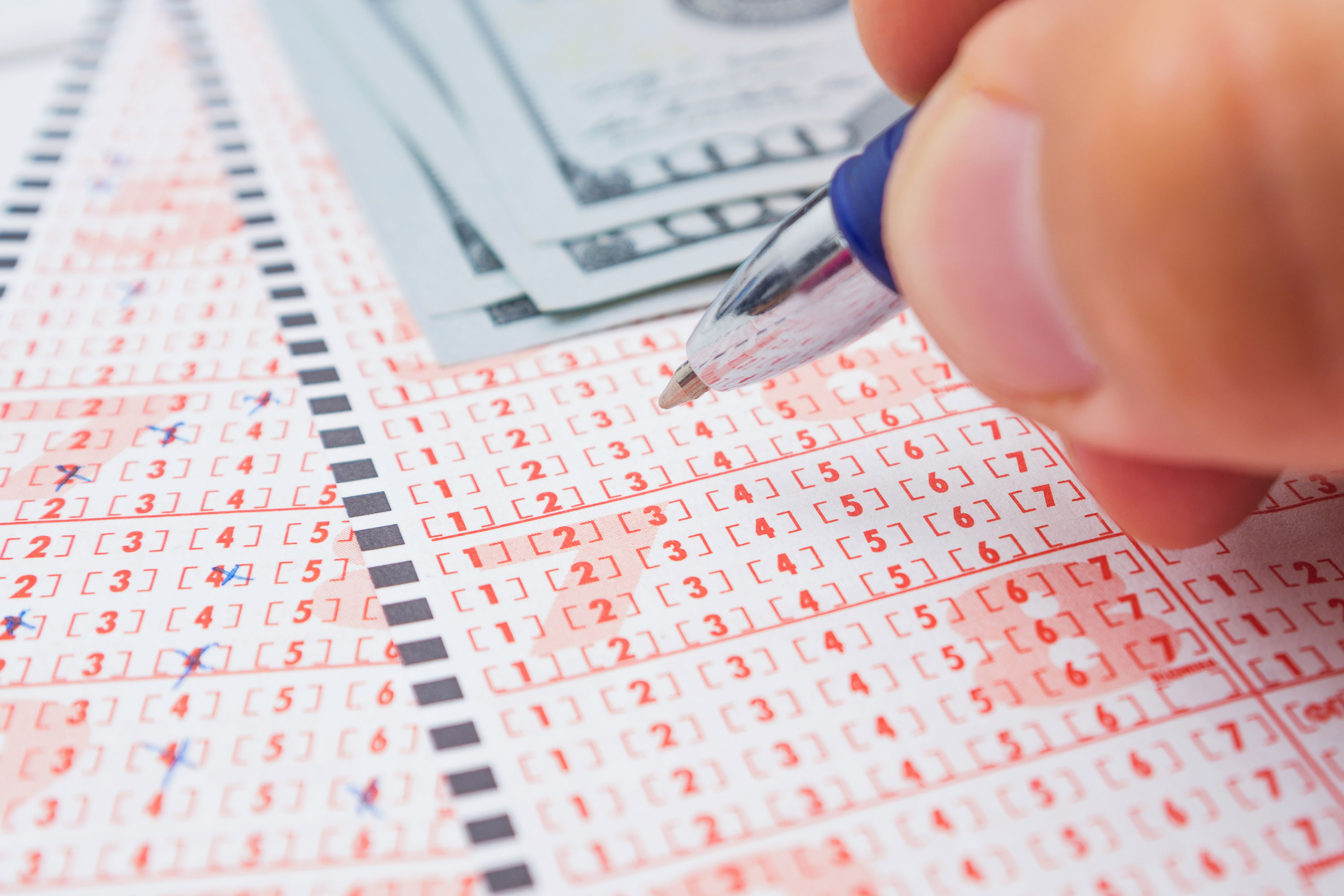 Over 2,000 people win single lottery after picking 0-0-0-0