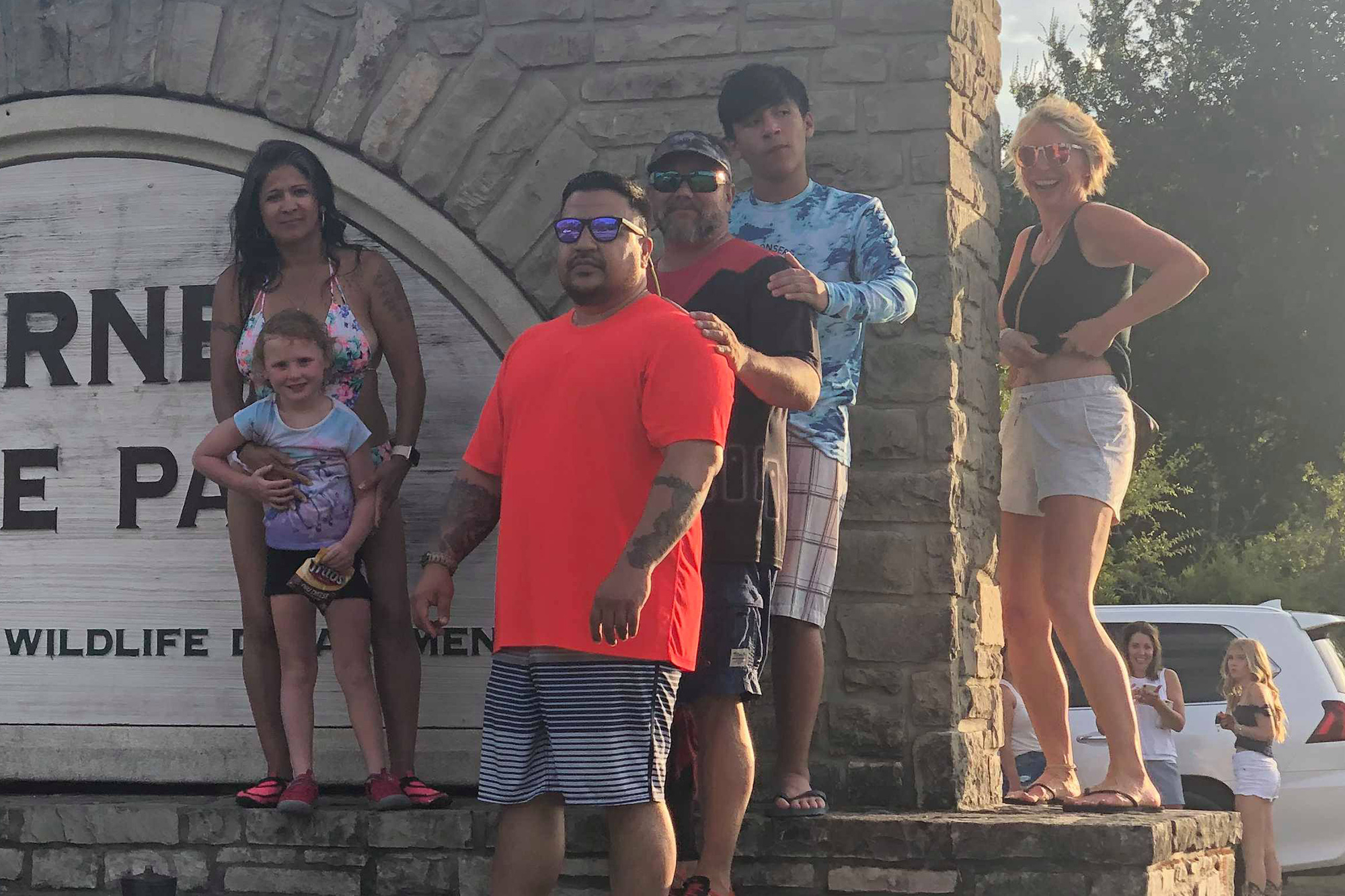Brown shirt white shorts big tits popup ads Topless Woman Photobombs Family S Vacation Pics