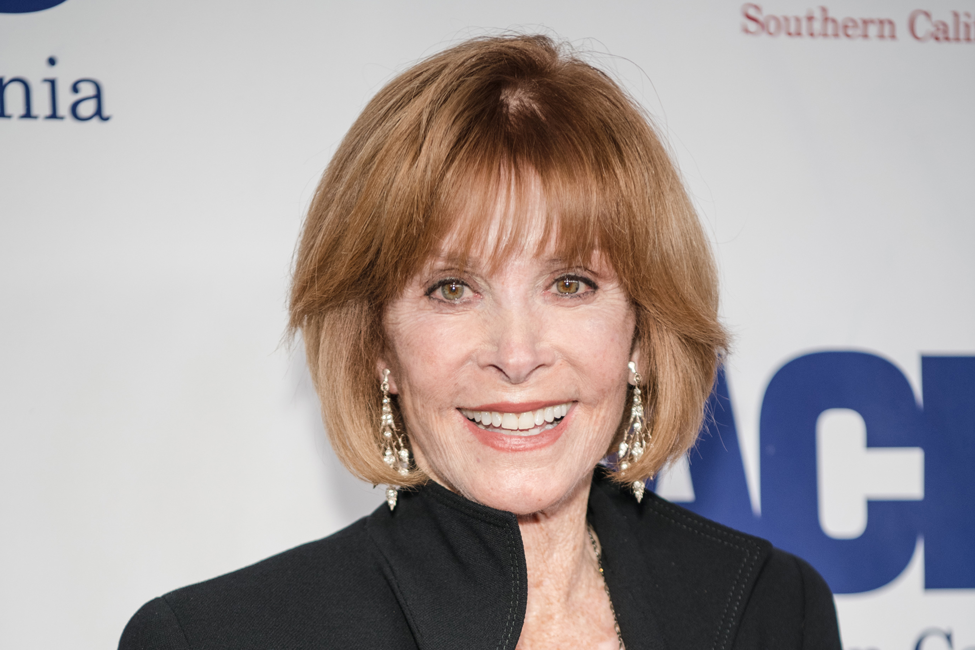 Stefanie Powers Dishes On Hollywood Legends And Her New Off Broadway Show