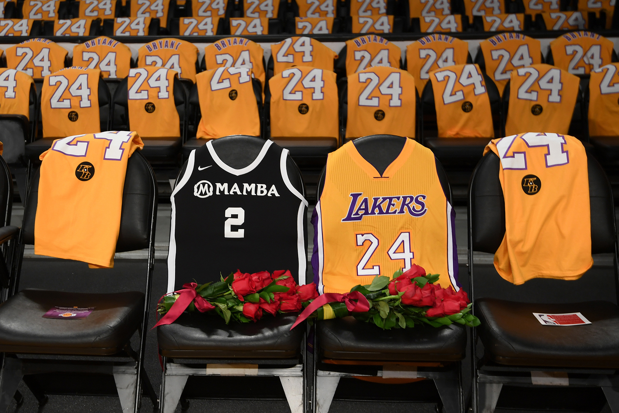 Lakers Cover Court Side Seats With Roses For Kobe Bryant Gianna