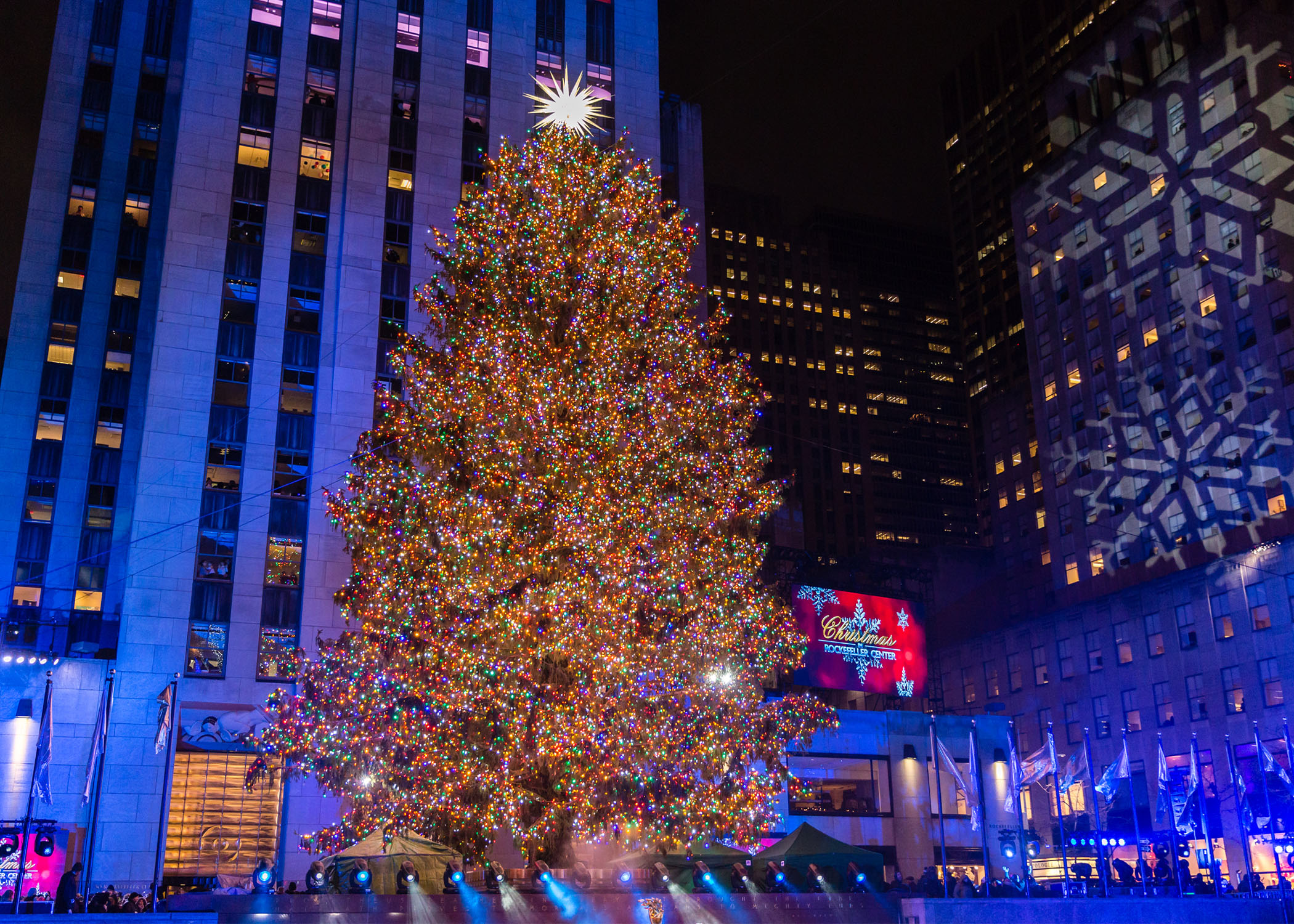 Rockefeller Plaza Christmas Tree 2020 Rockefeller Center Christmas tree to return, possibly without crowds