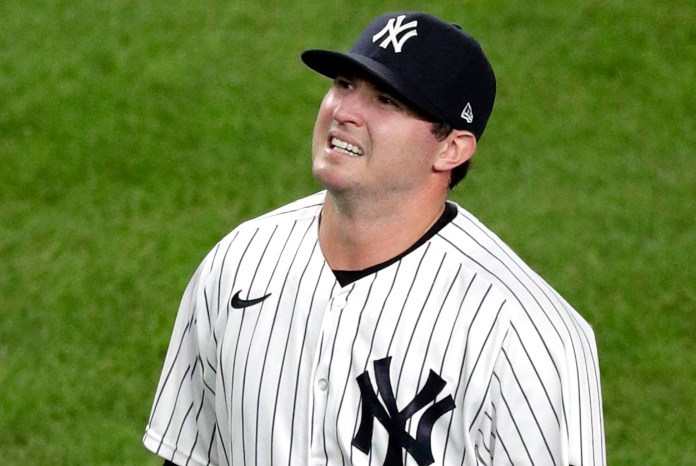 Yankees' Zack Britton hurts hamstring, could be headed to IL