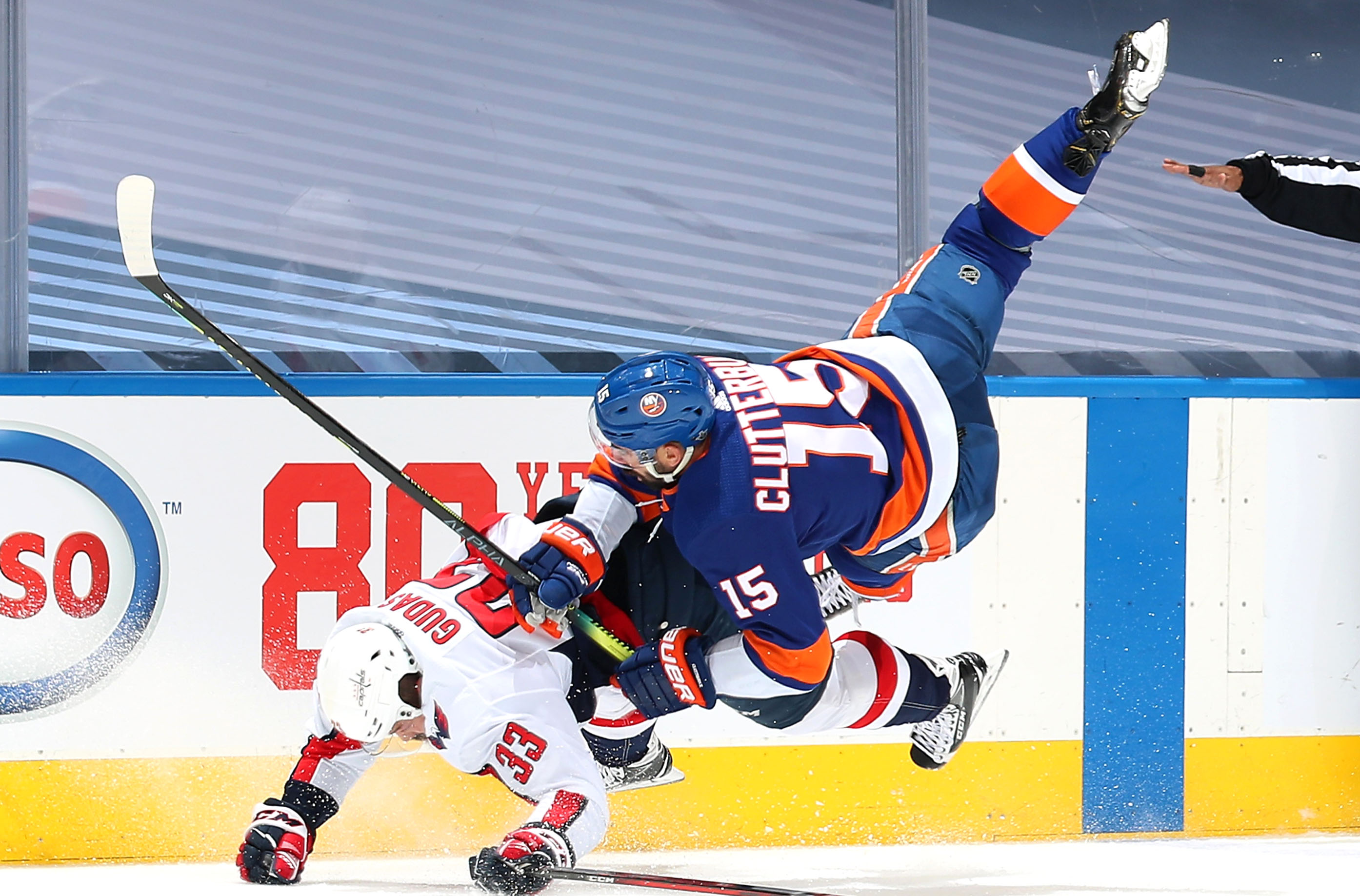 Islanders' Cal Clutterbuck exit with injury after low hit