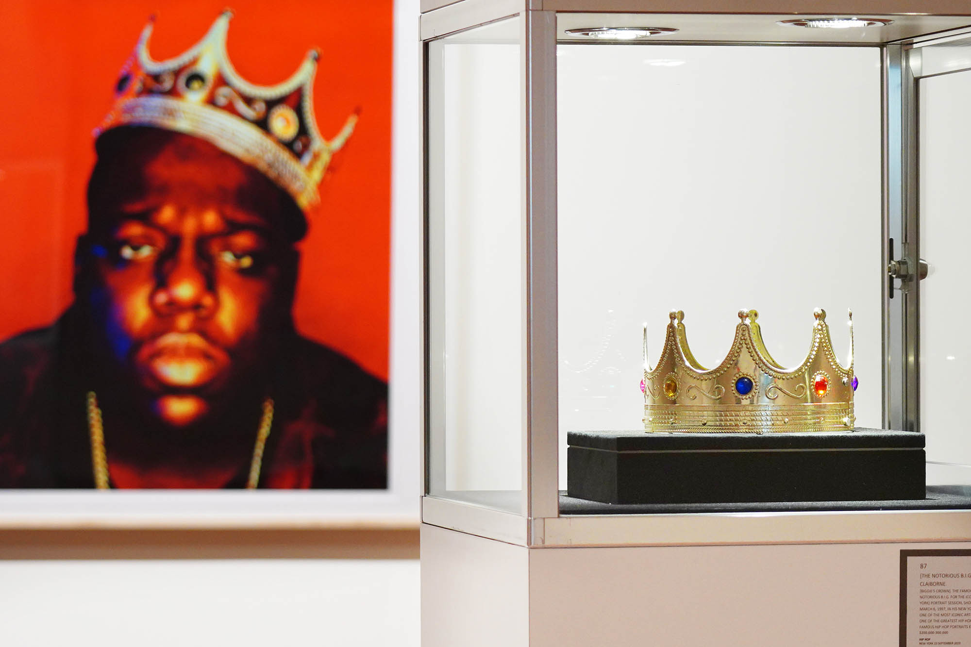 Notorious B.I.G.'s  crown sells for 4,750 in Sotheby's auction