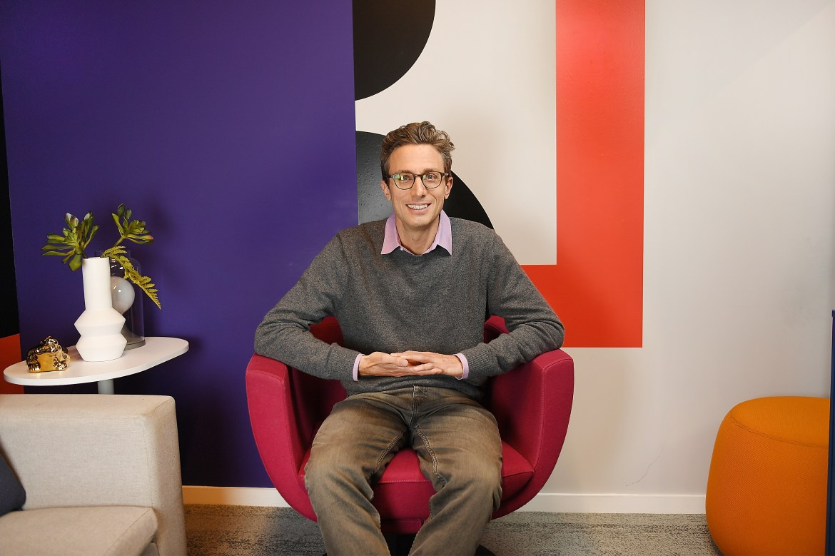 BuzzFeed to acquire HuffPost from Verizon Media in stock deal 1